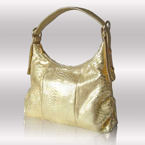 GOLD handbags | Fashion in the Bag - The Gleni Blog