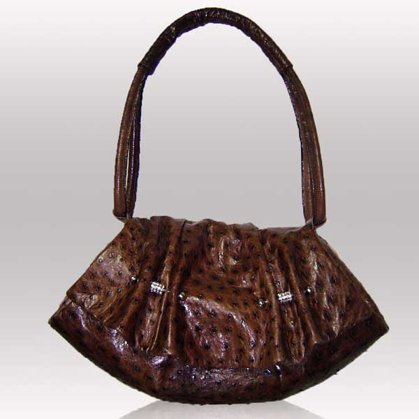 Цвет горького шоколада - это один из самых темных оттенков коричневого.