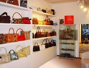Showroom italian luxury handbags
